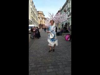 Людмила в платье