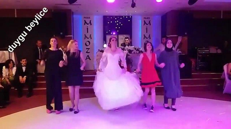 Karadeniz Kızı Oynarsa Hele O Düğün Kendi Düğünüyse Ula Ula Ula Harika Horon