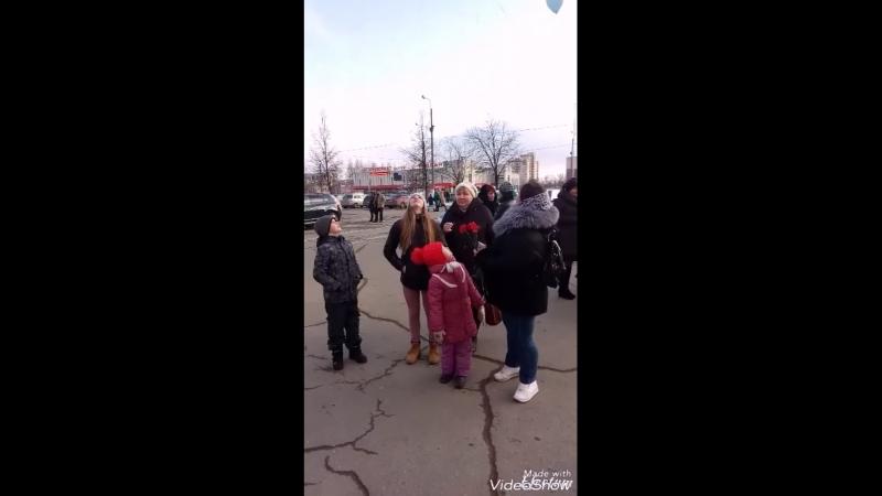 В память о погибших 25 032018 в тц Зимняя вишня в Кемерово