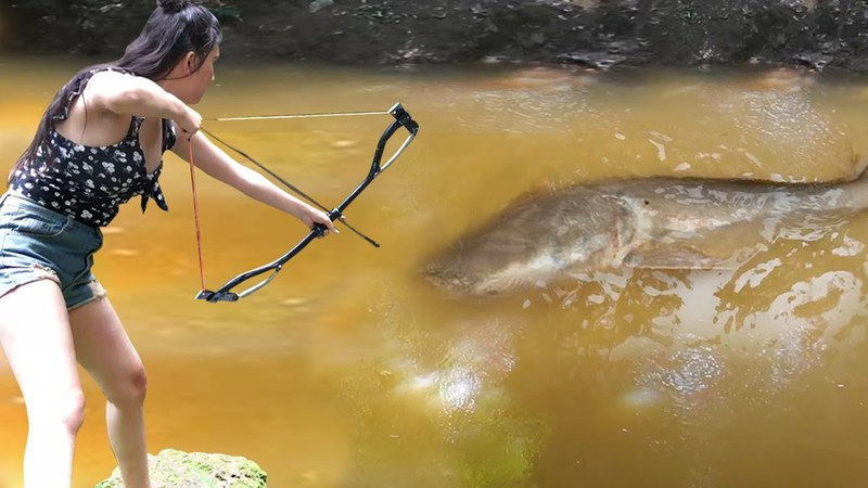 How To Use PVC Pipe Compound BowFishing To Shoot Fish Cambodia Fishing Net In Siem Reap Khmer Fish