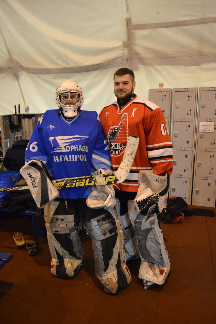 В День защитника Отечества в Таганроге прошел городской турнир по хоккею