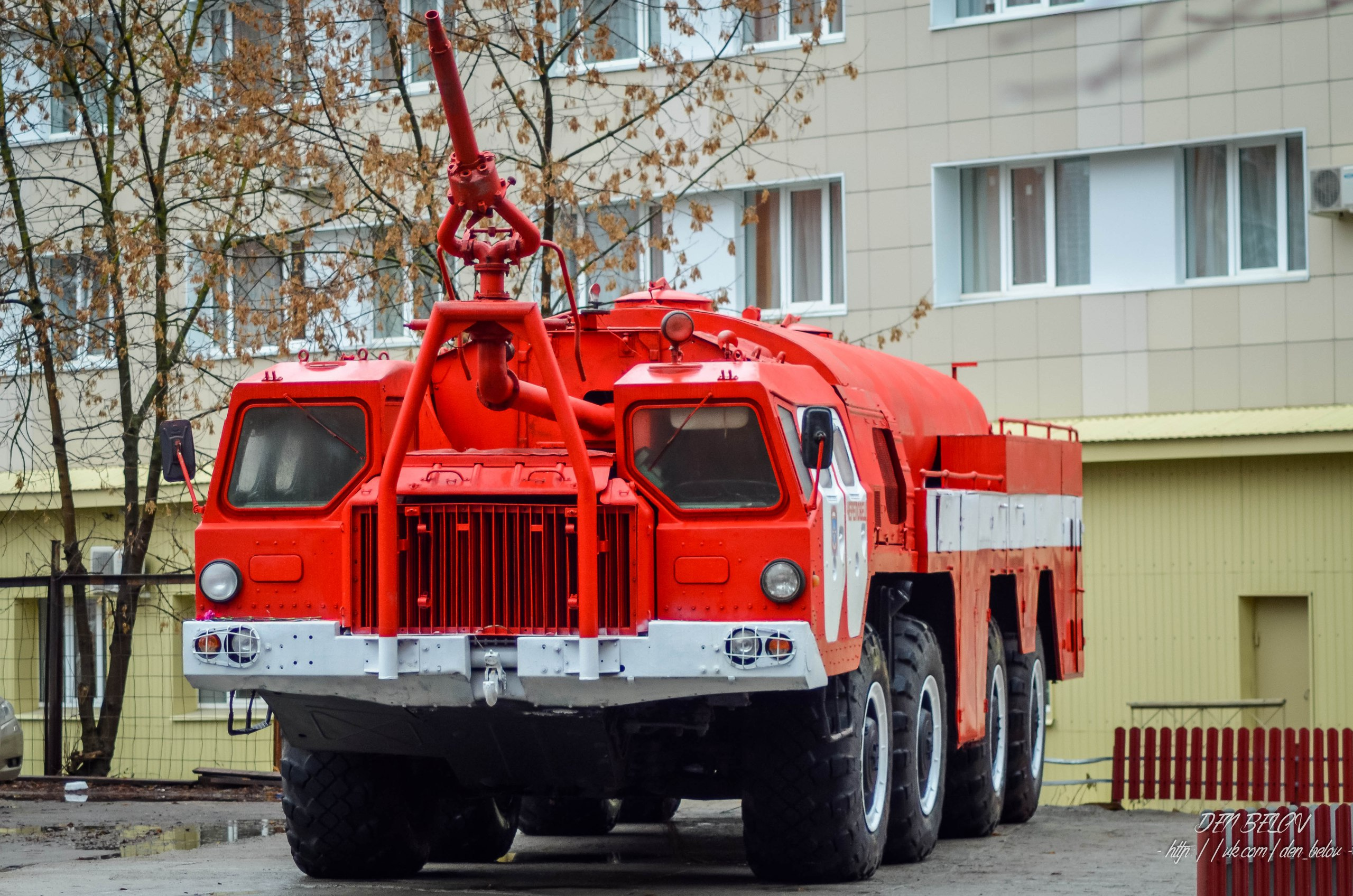 пожарный водозащитный автомобиль фото занимался фотографиями