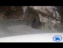 Опасная дорога через водопад в Непале