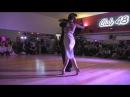 Natacha Lockwood et Andrés Molina dansent sur le tango Desencuentro