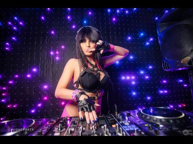 Topless DJ Markiza LIVE from LEXX Club NN