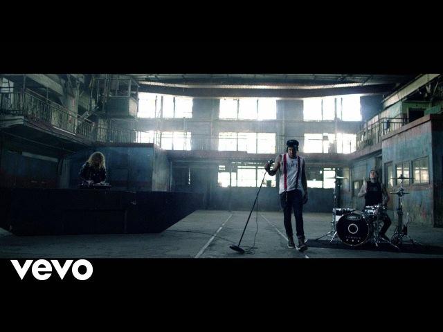 Yelawolf x Travis Barker x Juicy J - Punk