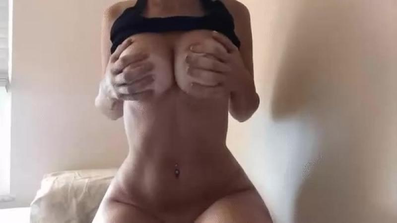 Домашняя эротика показала свои прелести на камеру [top no porn web cam home art hot sexy russian русская студентка]