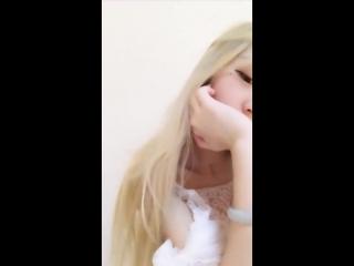 Азиатская красивая девочка мастурбирует киску в перископ (Periscope, малолетка, милая, невинная, webcam, Skype, Скайп)