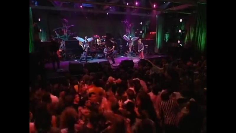 Nirvana - Blew (Pier 48 MTV Live and Loud, Seattle, WA 1993) » Freewka.com - Смотреть онлайн в хорощем качестве