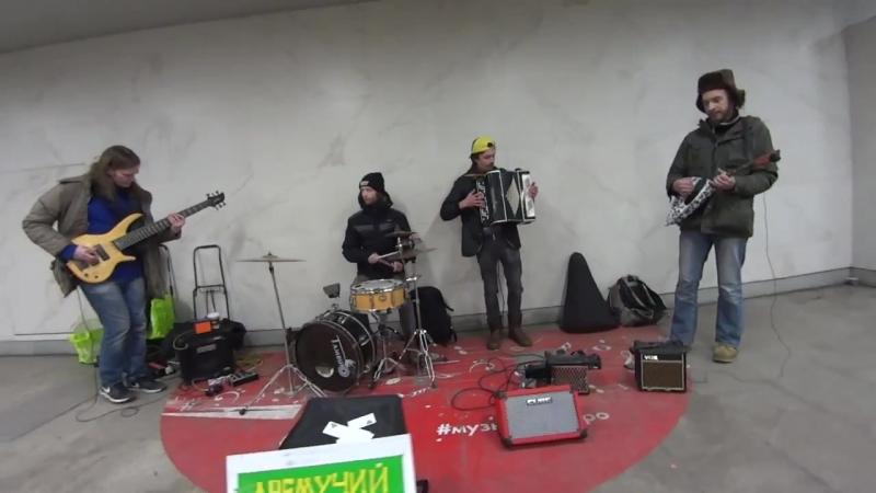 Ещё одна новая репбаза Hendrix Studio, на Шаболовской.