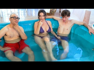 [brazzers / mommy got boobs] dana dearmond & rion king - secretly rubbed in the hot tub