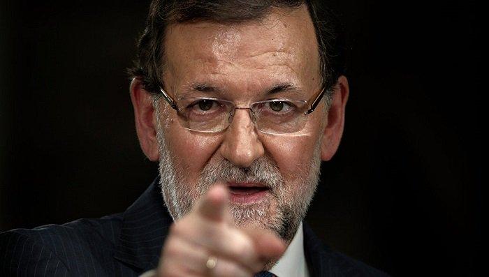 Премьер Испании обратился с требованием к Карлесу Пучдемону