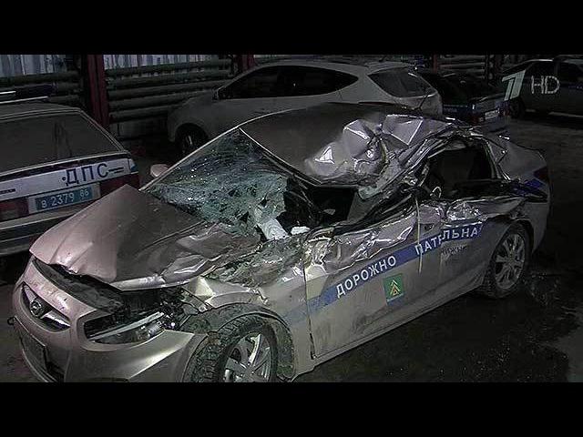 ВНижневартовске полицейский подставил свою машину под мчащийся грузовик, чтобы спасти детей. Новости. Первый канал