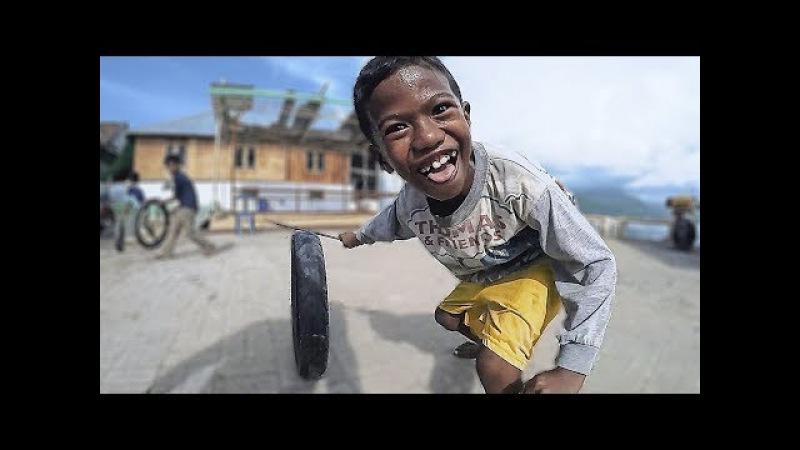 Жестокая Индонезия. Суровое детство и бои петухов. Переправа на пароме Ломбок - Сумбава