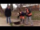 Ямы открытые люки разбитые колодцы такие проблемы выявили в Гагаринском районе