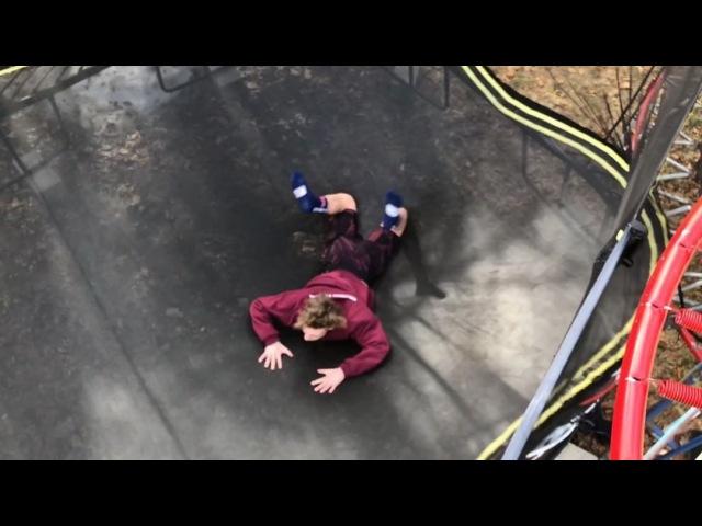 "Derek Munroe on Instagram: ""NO WAY @camshorey77 😳😳  film creds @kelly_graber   @skylargugenberger @nickfeehan_ @jakke_murphy   flippingfeed   yt v..."