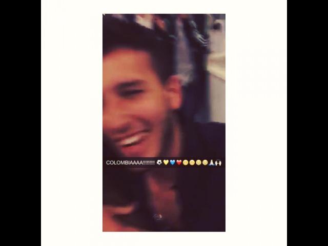 """Sebastian Yatra on Instagram: """"Ganamos!! 😁😭😁🙏🏻🙌🏻💛💙❤️⚽️⚽️ Tuvimos que aplazar el vuelo para ver el parti..."""