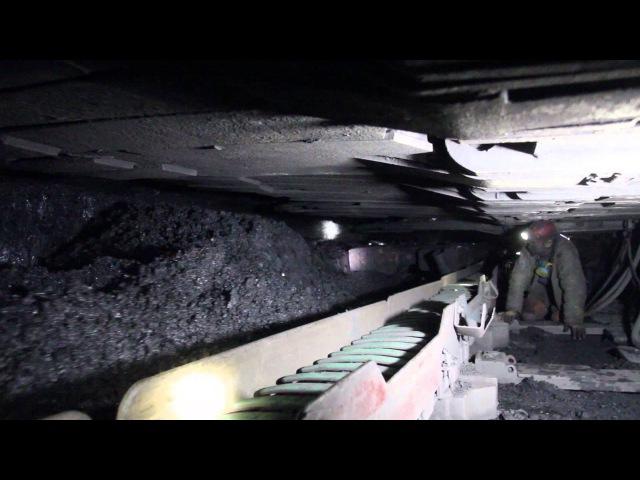 Технологии в действии: очистной комбайн УКД-400 в работе под землей