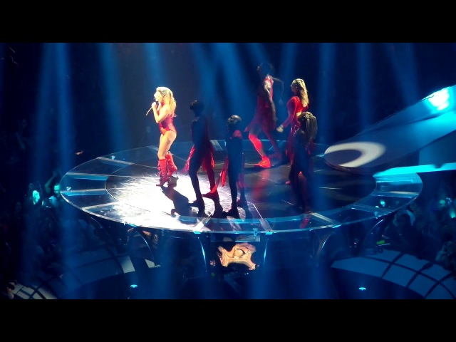 Paparazzi на шоу «Joanne World Tour» в Кливленде 23 августа