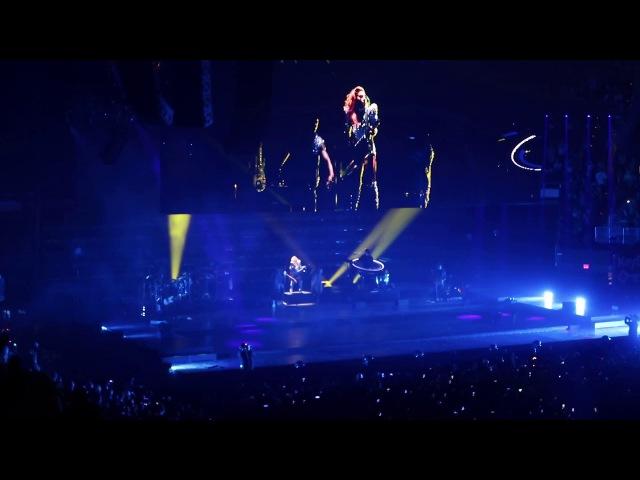 Just Dance на шоу «Joanne World Tour» в Кливленде 23 августа
