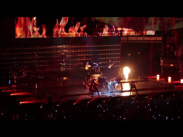 John Wayne на шоу «Joanne World Tour» в Кливленде 23 августа