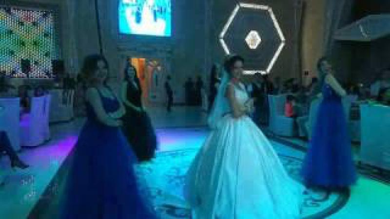 Танец подружек и невесты)
