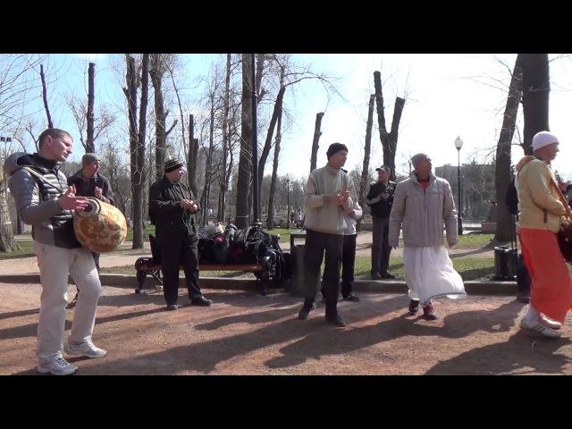2014 04 13 Харинама в парке Горького