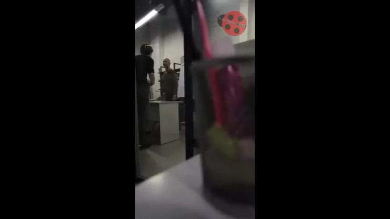 Ссора режиссера и продюсера видео – ONLINE.UA