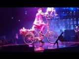 Queen + Adam Lambert I Want to Ride My Bicycle Amsterdam Ziggo Dome 2017