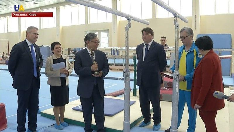 Новые спортивные снаряды для гимнастов появились в Центре подготовки спортсменов Конча-Заспа