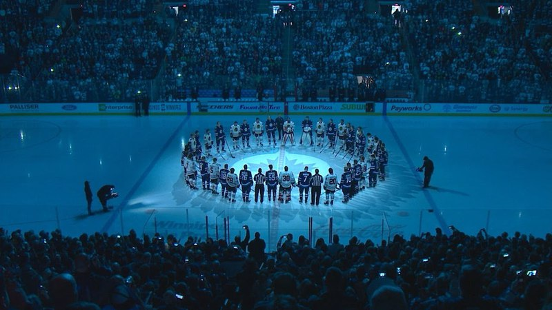 NHL teams pay tribute to the Humboldt Broncos