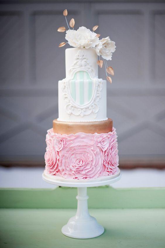 UfvbXzOkgII - Нежно-очаровательные свадебные торты