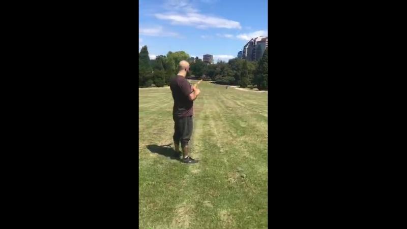 Throwing a boomerang in Australia @ivideo_en eggdrp Yopickles