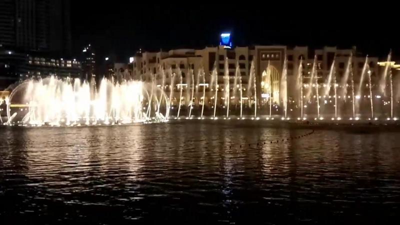 Поющий фонтан, Dubai Mall