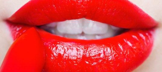 Как добиться того, чтобы контур губ и помада как можно дольше не смазывались ?