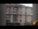 Михаил Саакашвили угрожал сброситься с крыши кадры с места инцидента