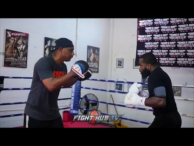 ADRIEN BRONER RIPPING COMBINATIONS ON THE MITTS - LOOKS SERIOUS MOTIVATED FOR JESSIE VARGAS