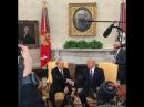 Назарбаев показал свое фирменное рукопожатие Трампу
