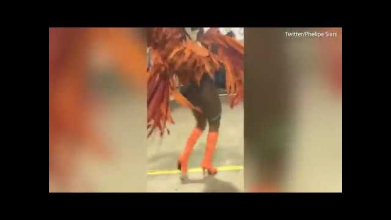 Sao Paulo dancer keeps going after Underwear Malfunction in Carnival