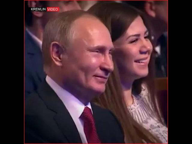 """Российская Федерация on Instagram: """"«Ситуация в России: Путин и Медведев в лифте» 😆 Сегодня вечером покажут игру КВН, которую посетил Путин @kvn..."""