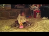 Фея ушла на пенсию (смешное видео, хорошее настроение, история игрушек, у камина, огонь, пламя, девочка, дочка, дочь, игрушка).