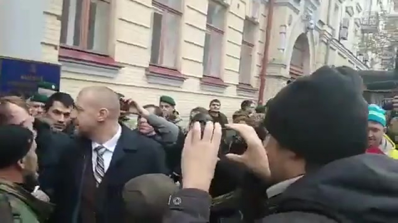 Народ з глибокою повагою і неприхованою радістю зустрічає народного депутата від НФ Тетерука👏