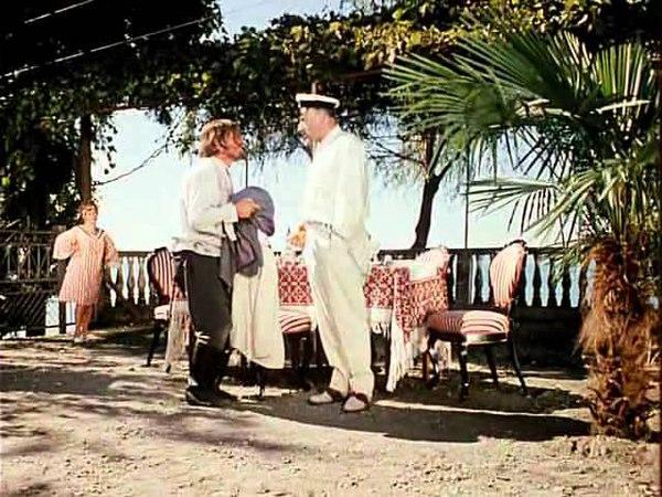 Сцена из 12 стульев Отец Федор и инженер Брунс