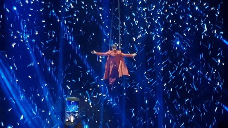 Сергей Лазарев с песней Вдребезги на сцене Олимпийского (19 апреля 2018г)