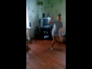 пыталась станцевать балерину