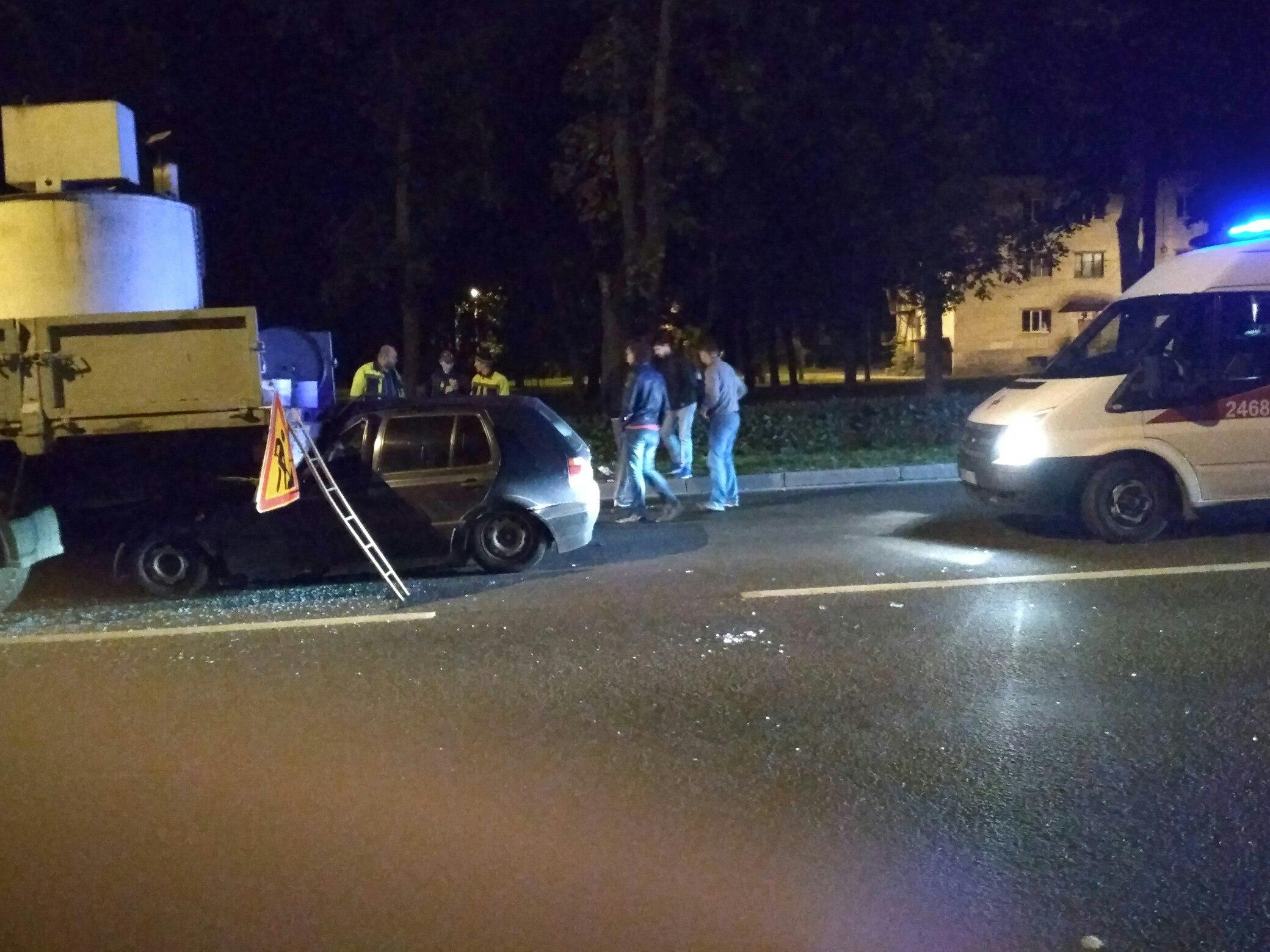 В Красном селе нетрезвый водитель легковушки врезался в грузовик