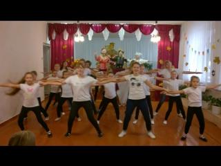 Массовый танец)))Чик-чири-рик)))
