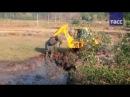 Как спасти слоненка с помощью экскаватора