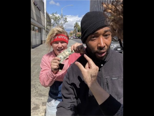 """Supreme Patty on Instagram: """"Helping the Homeless with Magic!❤️🎩 @juliusdein shrimpgang 🎥: @millz"""""""