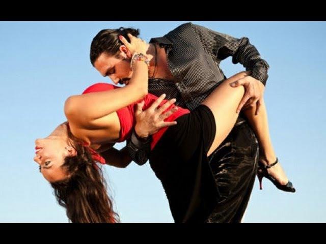 Бачата в исполнение сексуальной пары. Бачата латиноамериканский танец.